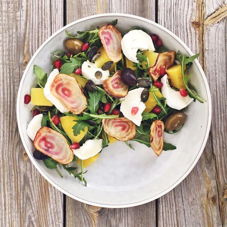 """Insalata di barbabietole gialle, """"polka beets"""" e chèvre. :P @citroncest.blogg.se #food #ricette #handmade #homemade #foodie #insalata #barbabietole #vegetarian #veggie #raw #healthy #lunch #sunday #natural #delicious #chefincamicia #unaricettalgiorno #unaricettoalgiorno"""