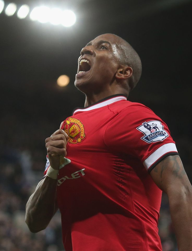 Young delighted with vital victory - Official @manutd website