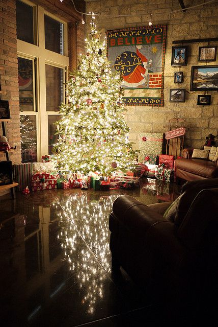 O Tannenbaum....beautiful reflection on the floor