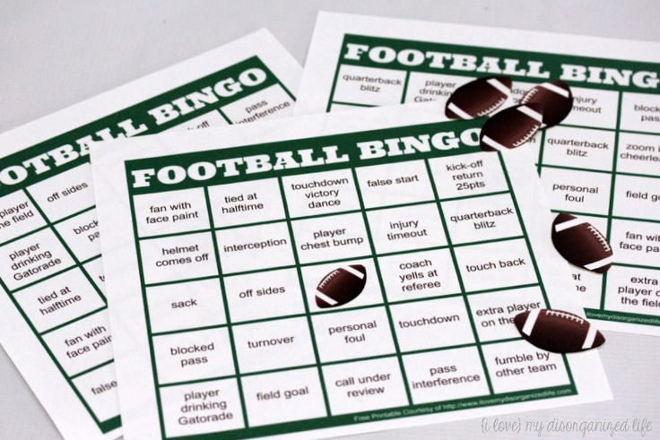 Don't let a busy day keep you from your favorite sport! The #FamilyPizzaCombo makes it easy to feed the family and enjoy the game! Plus, a free football bingo game to play while your watching!