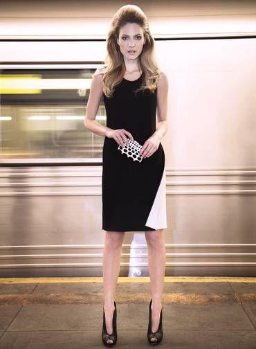 """""""O vestido preto é essencial no guarda-roupa de qualquer mulher"""", diz a top Barbara Berger, estrela desta ensaio, feito em Manhattan numa noite bem fria. """"Você pode ir trabalhar e, depois, sair para jantar com a peça e ainda assim estar bem"""". A modelo usa vestido Calvin Klein, clutch Serpui Marie e sapatos Schutz Foto: Fernando Freire"""