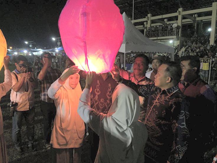 Semarak Parade Lampion 2016 Dilepas Wabup