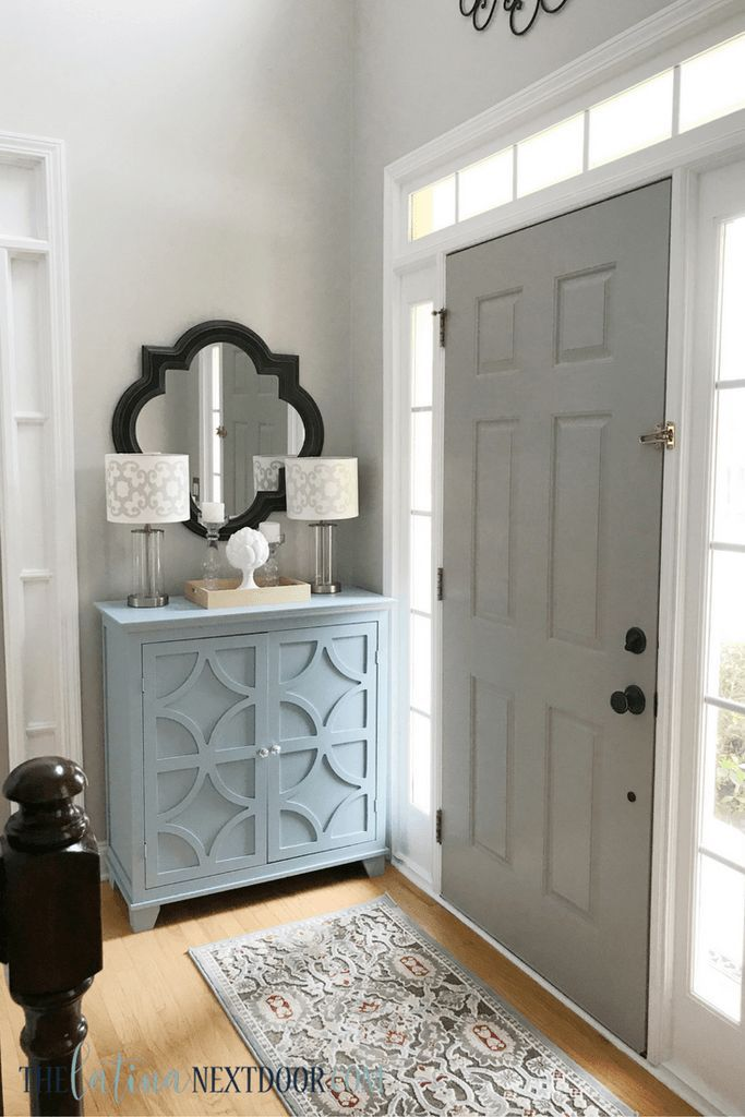 Sometimes, even the smallest contrast in color between your front door, trim and walls can add big style to an entryway. Here, Yami from @yamithelatina kept things simple. Her philosophy? To add a little bit of drama, paint the inside of the front door something other than white. Choose a color several shades darker than the wall to add dimension. Great advice, and great color selection. Her door is Pussywillow SW 7643, her trim is Extra White SW 7006 and her walls are Repose Gray SW 7015.