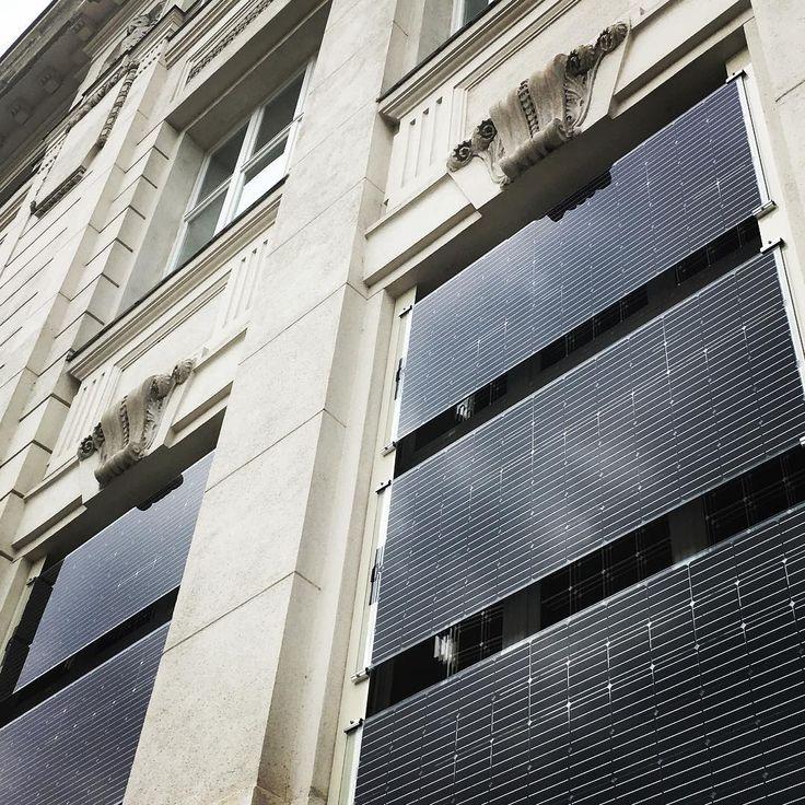 Wir lieben unsere neuen Rollos! Rechtzeitig zur nächsten Ausstellung haben wir eine brandneue Photovoltaikanlage bekommen.  ON/OFF  Die interaktive Ausstellung zum Stromnetz startet am 9. November!  #tmonoff #technischesmuseumwien #tmvienna