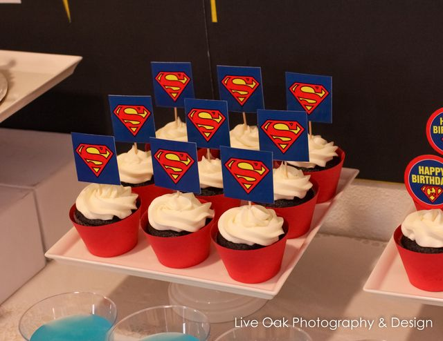 Cupcakes at a Super Hero Party #superhero #partycupcakes
