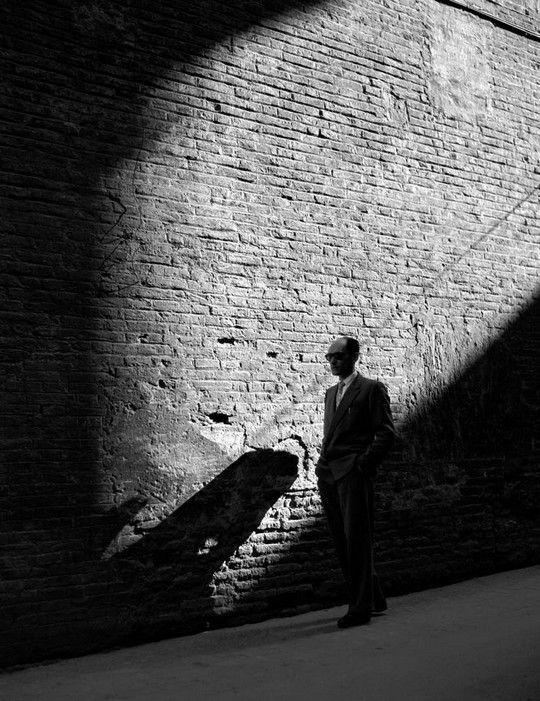 """Nino Migliori - Uomo qualunque Foto tratta da """"Gente dell'Emilia"""" 1955 Bologna,"""