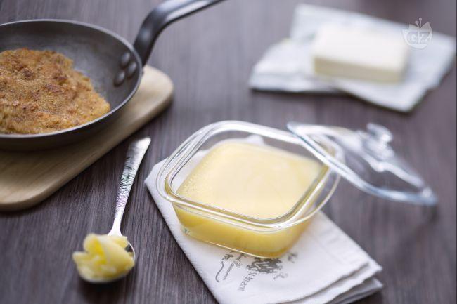 Il burro chiarificato è una preparazione indispensabile per moltissime ricette asiatiche ma anche italiane: in particolare le cotolette alla milanese!