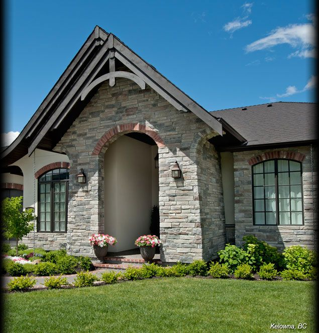 Cultured stone echo ridge country ledgestone residential for Exterior ledgestone