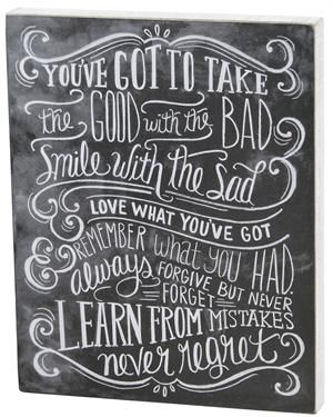 This Chalkboard Art Sign, Never Regret is an inspiring piece of art that is perfect for any farmhouse. Designed to look just like a chalkboard, this wooden wall art features a box frame design with white-wash sides.