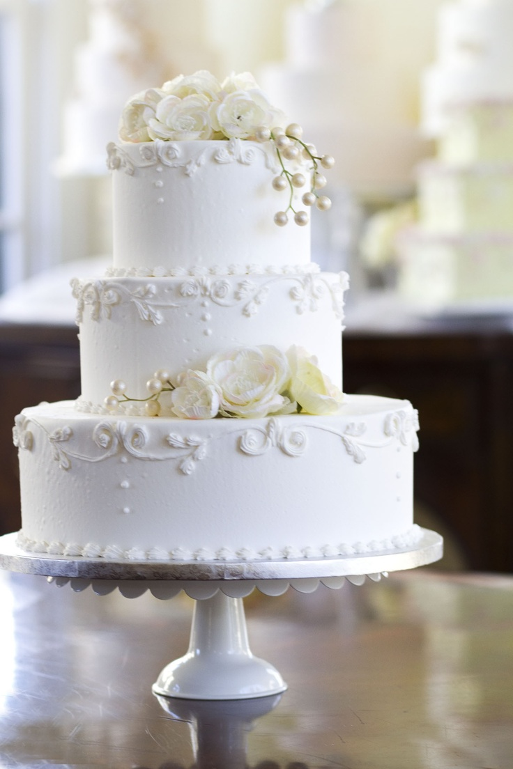 classic white wedding cakes a classic white floral design wedding cake i would 12876