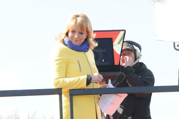 BBC presenter Fern Britton smiles at the waiting crowd below as the live broadcast of Great North Passion is about to begin.