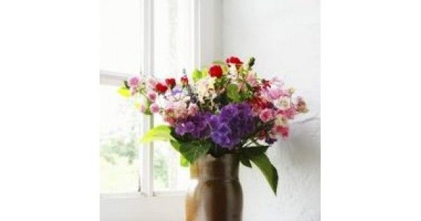 Flower arranging is a decent diversion when you are into flowers. Send flowers UK by making lovely flower arrangements all alone to your uncommon one. The fortunate thing about masterminding flowers is that you can without much of a stretch ace the secrets to wind up an effective florist.   #FlowerIdeas #GiftIdeas