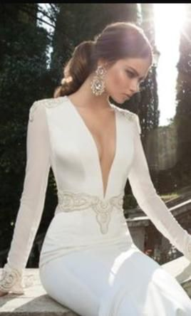 Berta Bridal 14-18: buy this dress for a fraction of the salon price on PreOwnedWeddingDresses.com