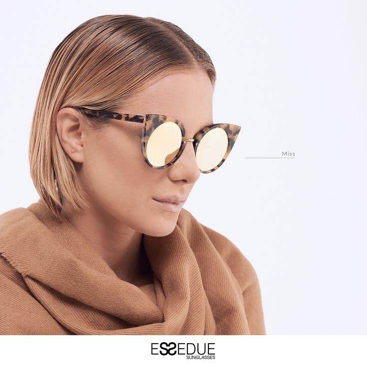#essedue #cateye #catsunglasses #sunglasses #occhialidasole #occhiali #modadonna