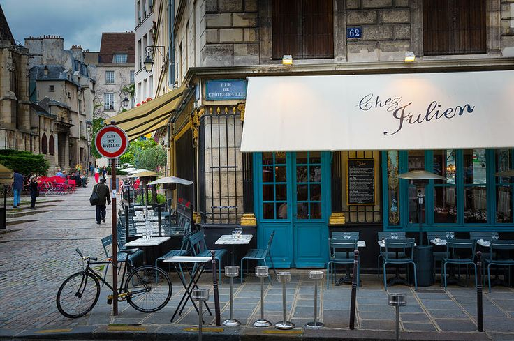 chez julien | dined here on a most snow evening | paris