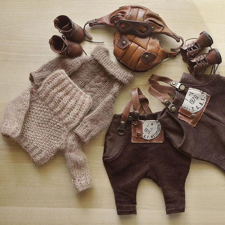 А еще у моих ребяток будут настоящие свитера - ювелирная работа Светланы @lakikroshik. Они такие мягкие, теплые и так красиво связаны - сама бы носила такие с удовольствием.
