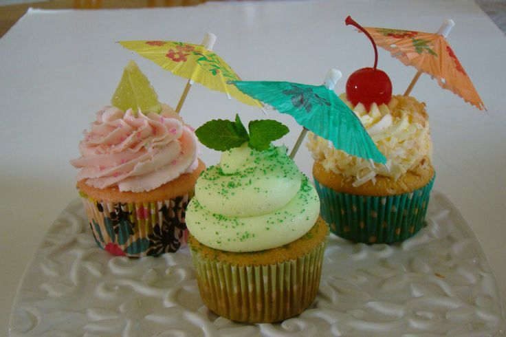 cupcake and cocktails | cocktail cupcakes | Strawberry Daiquiri Cupcake, Mojito Cupcake and ...