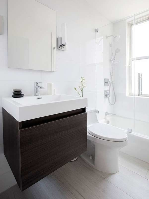 25 Tiny Bathrooms We Love Small White Bathrooms Small Bathroom