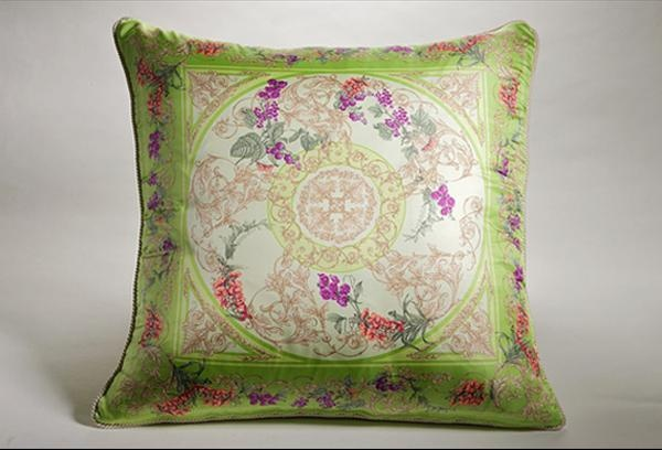 1000+ images about Decorative pillows on Pinterest Versace home, Chanel and Versace