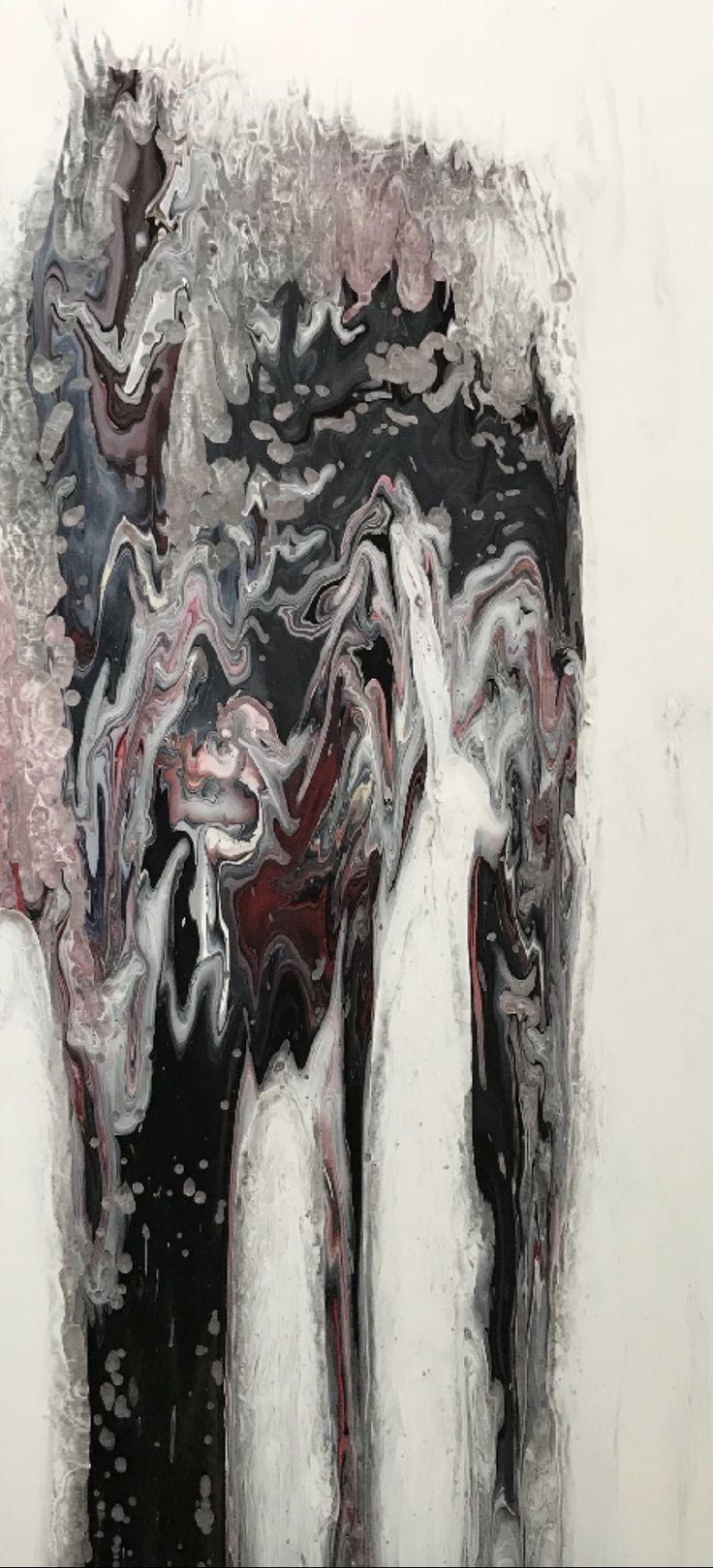 """Loulee est née en 1975 à Montréal, Québec. Elle étudie le design à l'académie Julien et s'intéresse à l'art très tôt. Son travail est imprégné du mouvement et des formes perçues dans la froideur du marbre. Ses oeuvres vous absorbe, d'où, il s'en dégage une """"zénitude"""" relaxante, apaisante et profonde qui capteront votre regard."""