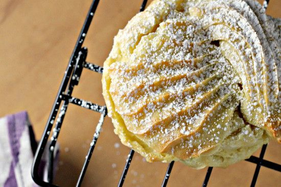 Italian Cream Puffs With Custard Filling Are Delicious | The WHOot