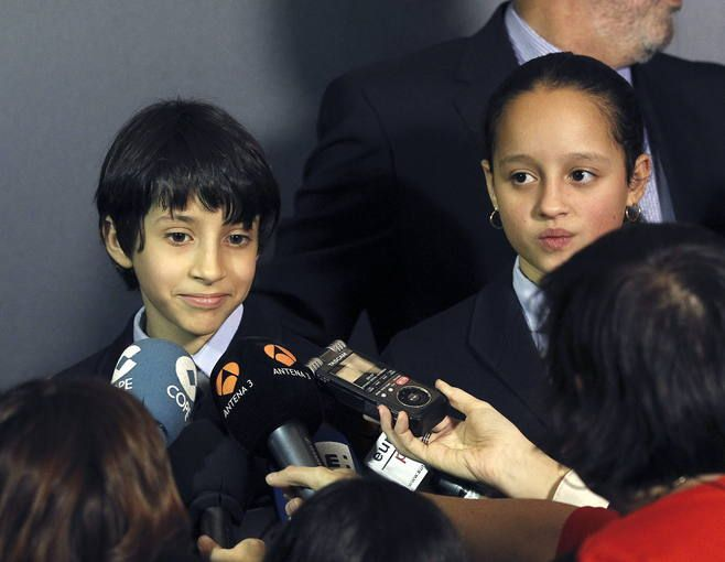 Ellos han cantado el Gordo: http://www.rtve.es/loteria