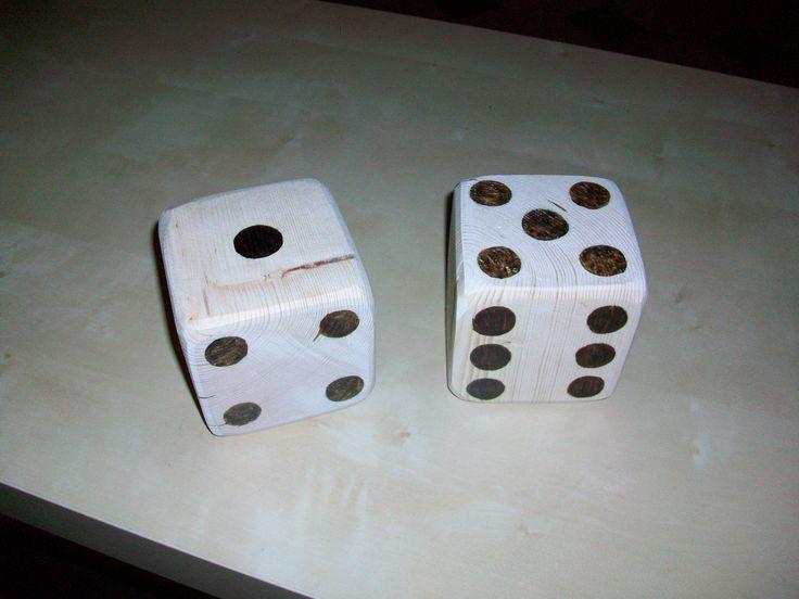dadi pirografati con lato di 10 cm