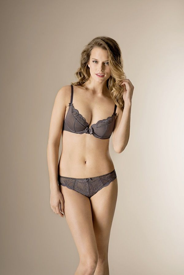 belle dentelle gris lingerie darjeeling lebloglingerie lingerie. Black Bedroom Furniture Sets. Home Design Ideas