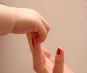Infertilidad: Femenina definición, causas.-Las principales causas de infertilidad y esterilidad femenina se originan en:  Utero, por malformaciones, adenomiosis, infecciones y tumores  Cérvix (cuello) por malformaciones, endometriosis, cirugía, quistes, infecciones y tumores  Trompas, por obstrucción originada principalmente por endometriosis, infecciones, malformaciones, ectópicos antiguos y tumores  Enfermedad Inflamatoria Pélvica, por infecciones y endometriosis  Ovarios, por tumores…