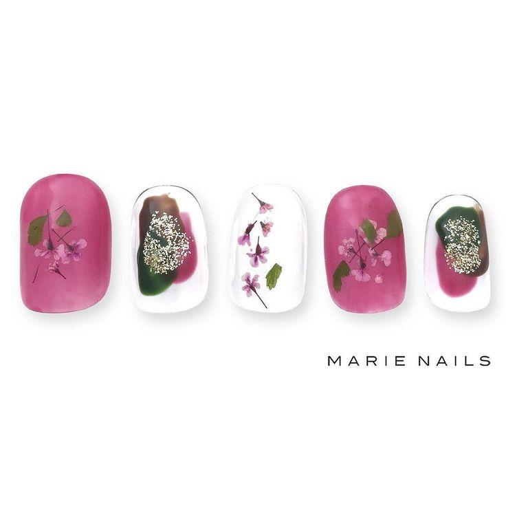 #マリーネイルズ #marienails #ネイルデザイン #かわいい #ネイル #kawaii #kyoto #ジェルネイル#trend #nail #toocute #pretty #nails #ファッション #naildesign #ネイルサロン #beautiful #nailart #tokyo #fashion #ootd #nailist #ネイリスト #ショートネイル #gelnails #instanails #newnail #purple #flowers #秋ネイル