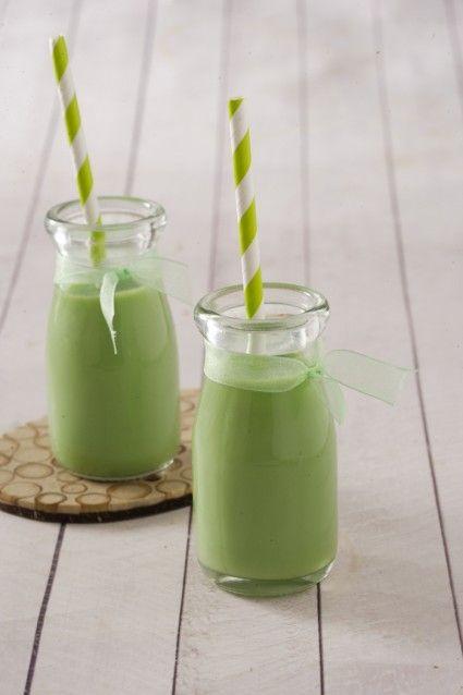 Puding sruput greentea saus cokelat putih,membuatnya cukup dengan dua langkah muda. Mari kunjungi resepnya.