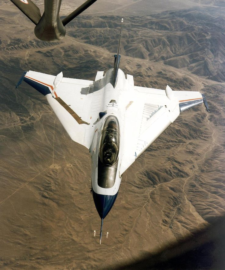 General Dynamics F-16XL is a derivative of the F-16 Fighting Falcon, with a cranked-arrow delta wing. First flight 1982. Experimental