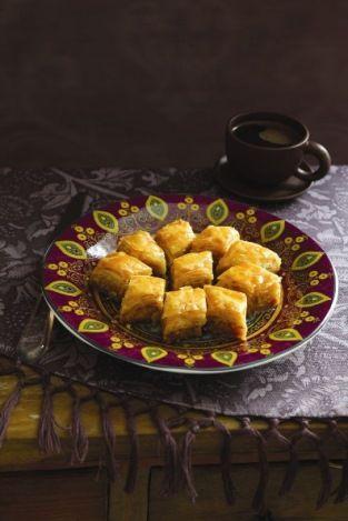 Новогодний стол: ассорти восточных сладостей - Портал «Домашний»