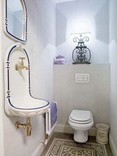 Łazienka w stylu retro fot. Michał Skorupski #retro #łazienka #stary #styl #vintage #dekorowanie #umywalka #bathroom #old #design