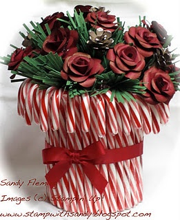 Really cute Christmas centerpiece idea...never know when I might want to remember this!!
