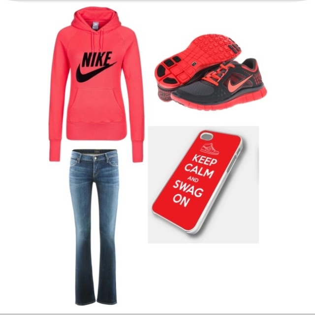 5⃣ This is exactly what I would wear to a sports event such as a football game in the winter time. I love the hoodie, it will keep you warm. The shoes are super cute and a great accessory.