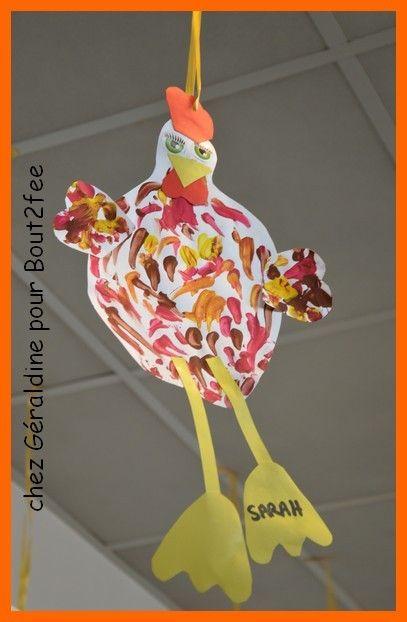 D'autres poules vues dans mon école !!!! Chez ma collègue Géraldine et ses moyens Peinture/graphisme et découpage/collagePuis chez ma collègue Jennifer et ses petits : Peinture/encre/collage et plumes