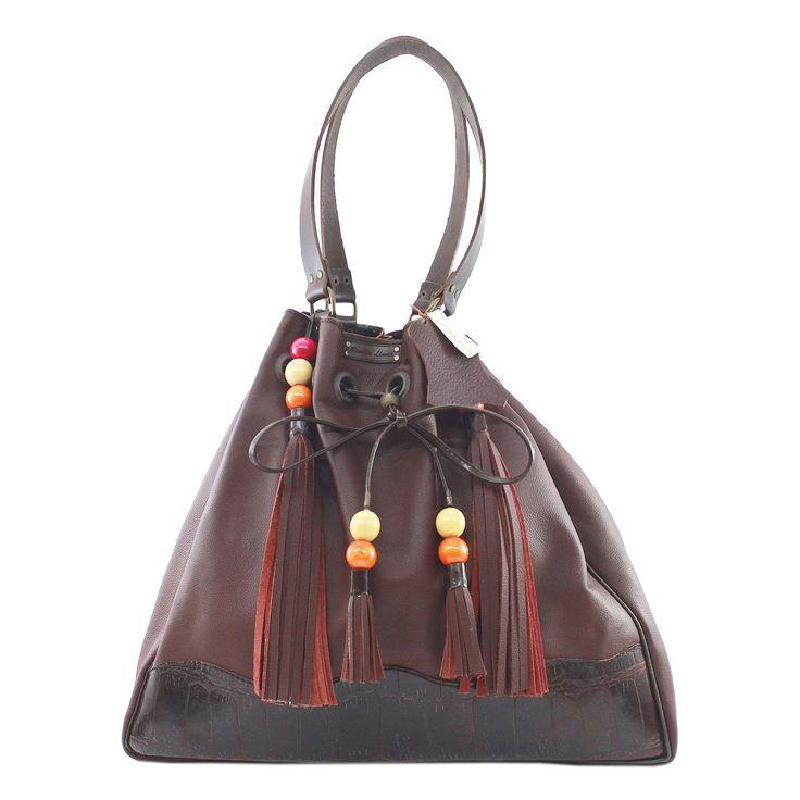 Cereza - Bolso de piel grande, práctico y muy cómodo de llevar.