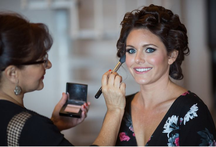 Our lovely bride Jennifer. To bring out her stunning deep green eyes, I've created soft smoky eyes with a grey eyeshadow, combining her look with soft pink lipstick and her perfect dewy glow skin.   Photo by PhotoAmore. Wedding planner: Cabo Wedding Services by Tammy _ #wedding #makeup #makeupartist #beauty #love #bridetobe #wedspiration #destinationwedding #cabo #loscabos #ilovecabo #cabosanlucas #mexicowedding #loscaboswedding #almavallejo #cabomakeup #bride #bridal