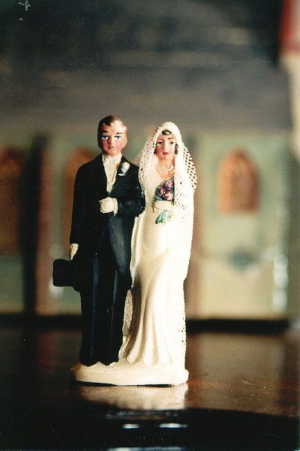 Bodas 1920's // 1920's wedding  Nuestra debilidad son los detalles :) ideal Vintage Cake Toppers!!!  #boda1920 #bodavintage #decoracionvintage #tartavintage