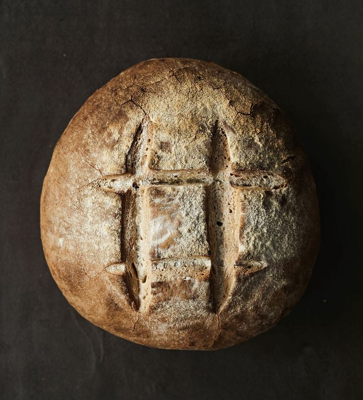 Ranskalainen levain on tämän hetken trendileipä. Tässä versiossa maukas leipä syntyy pikajuurella kuudessa tunnissa.