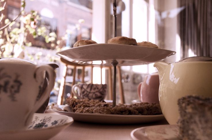 Afternoon tea with wonderful selected leaf teas to enjoy in the traditional London neighborhood, Highgate. Not to be missed! 50, Highgate High Street
