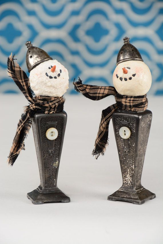 Hey, I found this really awesome Etsy listing at https://www.etsy.com/listing/258510152/salt-shaker-snowman-vintage-salt-shaker