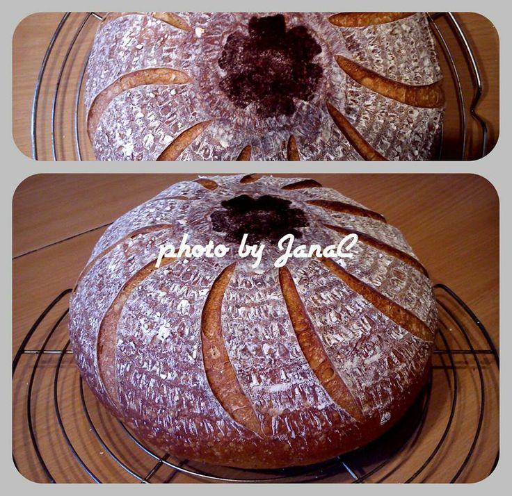 ...svet okolo mňa ...: Biely pšeničný chlieb (kváskový)...