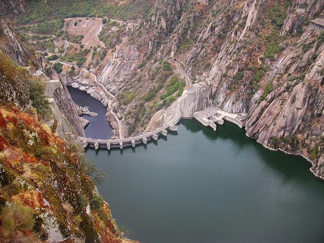 Presa hidroeléctrica de Aldeadavila de la Rivera, Salamanca  #CastillayLeon #Spain