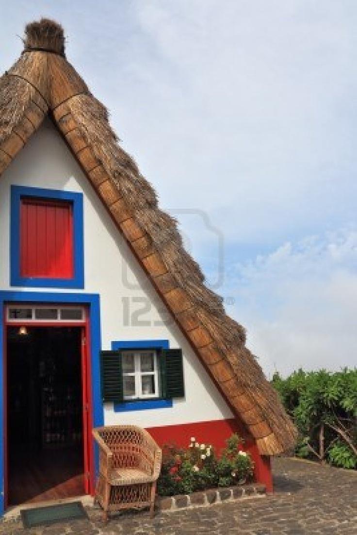 casa rural con techo de paja madeira la ciudad de santana