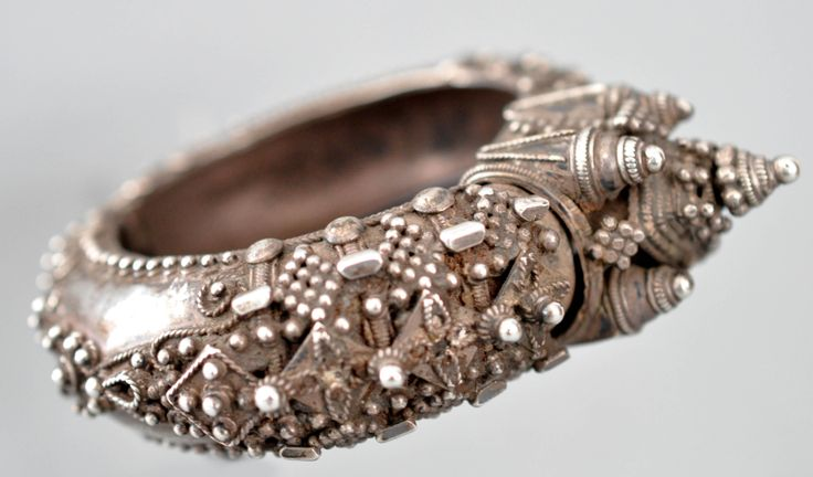 highty granulated bangle from the combitore area , vellor worn Tamil Nadu India 19th c (private collection Linda Pastorino)