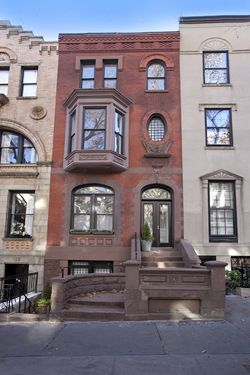17 best images about new york brownstones on pinterest for Upper east side townhouses for sale