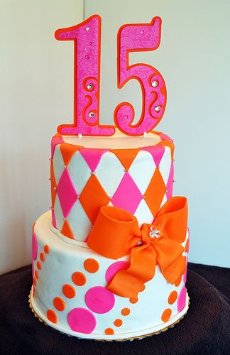 25 Best Farmhouse Master Bedroom Decor Ideas: Pink And Orange Sweet 15 Cake #quinceanera