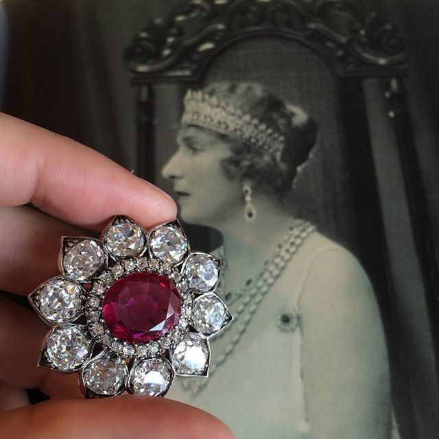 A Queen And Her Brooch This Ruby And Diamond Brooch Once